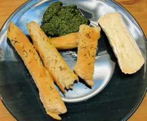 Bread with pesto and brie